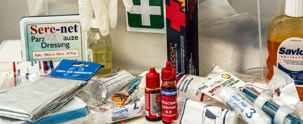 Apteczka pierwszej pomocy - podstawowe wyposażenie