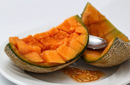 Maseczka z melona: odświeża cerę, dodaje energii