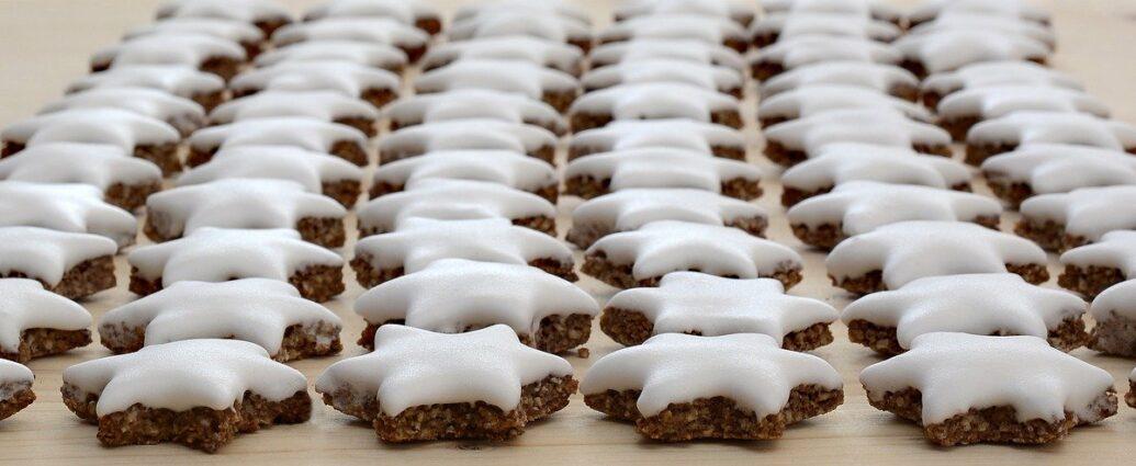 Lukier królewski - ciastka udekorowane lukrem z białek