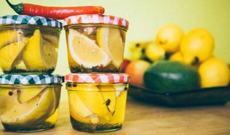 Kiszone cytryny w słoikach