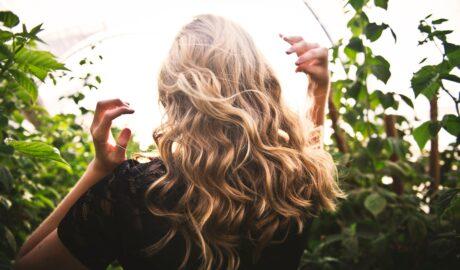 Piękne i gęste włosy to marzenie wielu osób
