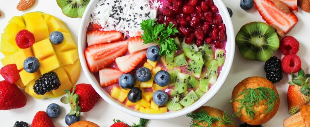 Świeże owoce i warzywa to podstawa zdrowego ożywiania i zbilansowanej diety