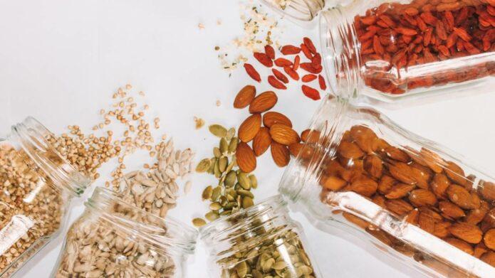Superżywność, czyli superfood - orzechy, nasiona i pestki