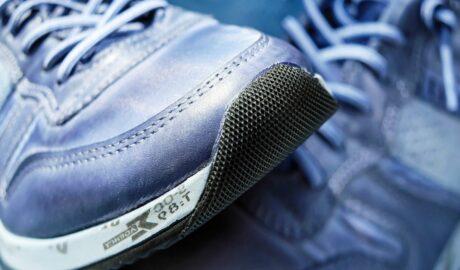 Buty sportowe do biegania w kolorze niebieskim