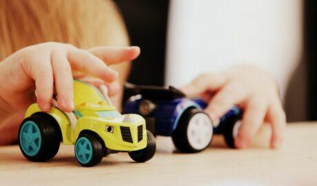 Samochodziki - wymarzone zabawki dla fanów motoryzacji